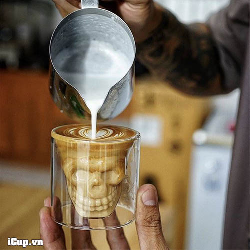 Pha latte picolo trên cốc Skull Glass double walled
