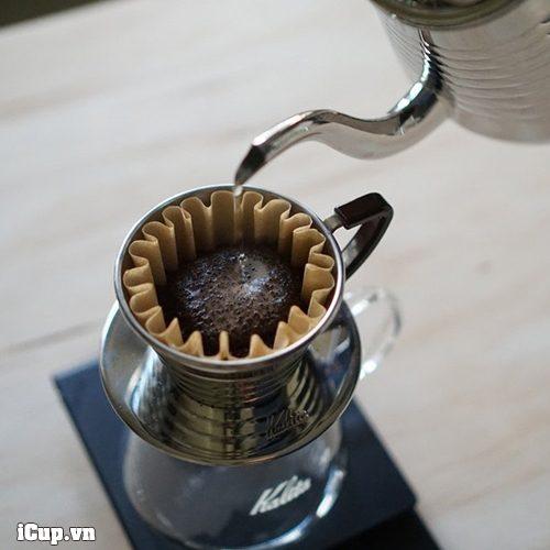 Pha cà phê bằng phễu lọc kalita wave 155