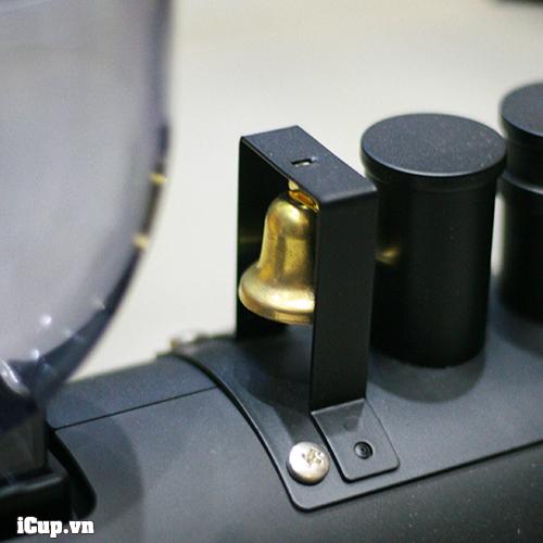 Chiếc chuông nhỏ kêu leng keng của máy xay cà phê kalita tàu hỏa