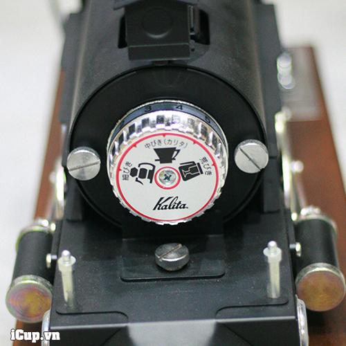 Nền tảng của chiếc máy xay đầu tàu này là máy Nice Cut G nổi tiếng của Kalita