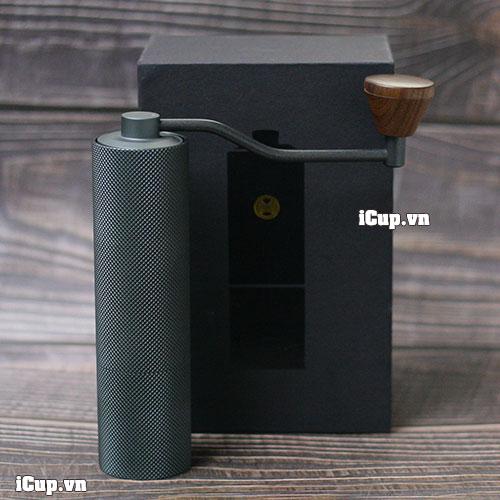 Bên trong hộp máy xay cà phê bằng tay Time More được bọc lót cẩn thận