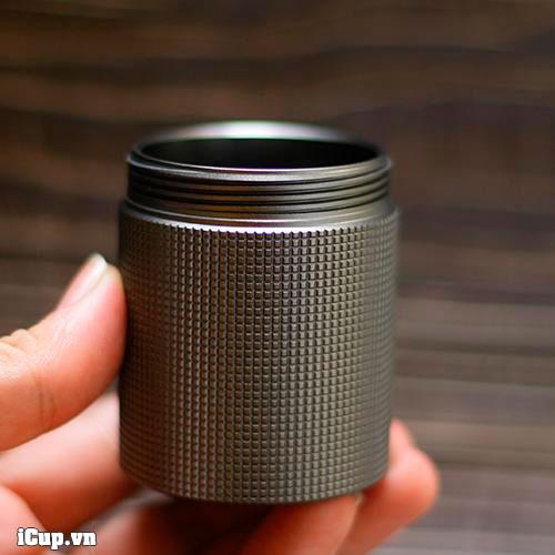 Hộc đựng bột cà phê full nhôm của Timemore C2 so với C1 lót nhựa