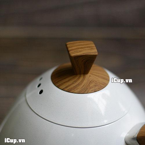 Nắp ấm Brewista với núm cầm phenolic vân gỗ tránh nóng cho người sử dụng