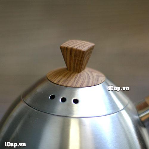 Nắp ấm có núm cầm bằng nhựa phenolic giả gỗ cực kỳ bền màu