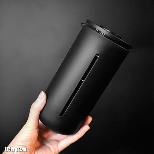 Trên tay bình pha cà phê frenchpress Timemore U Black 450ml