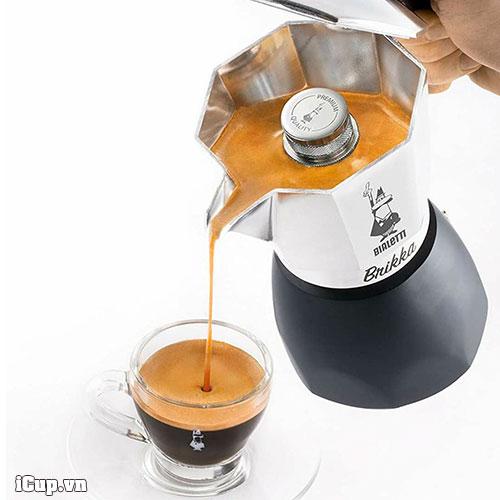 Lớp creama dày dặn của ấm pha cà phê bialetti brikka