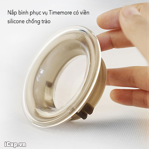 Nắp bình có viền silicone chống trào khi lắc, rót ra tách