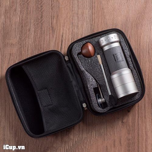 Cối xay cà phê 1Zpresso K-Plus đi kèm bao cứng và chổi, bóng vệ sinh
